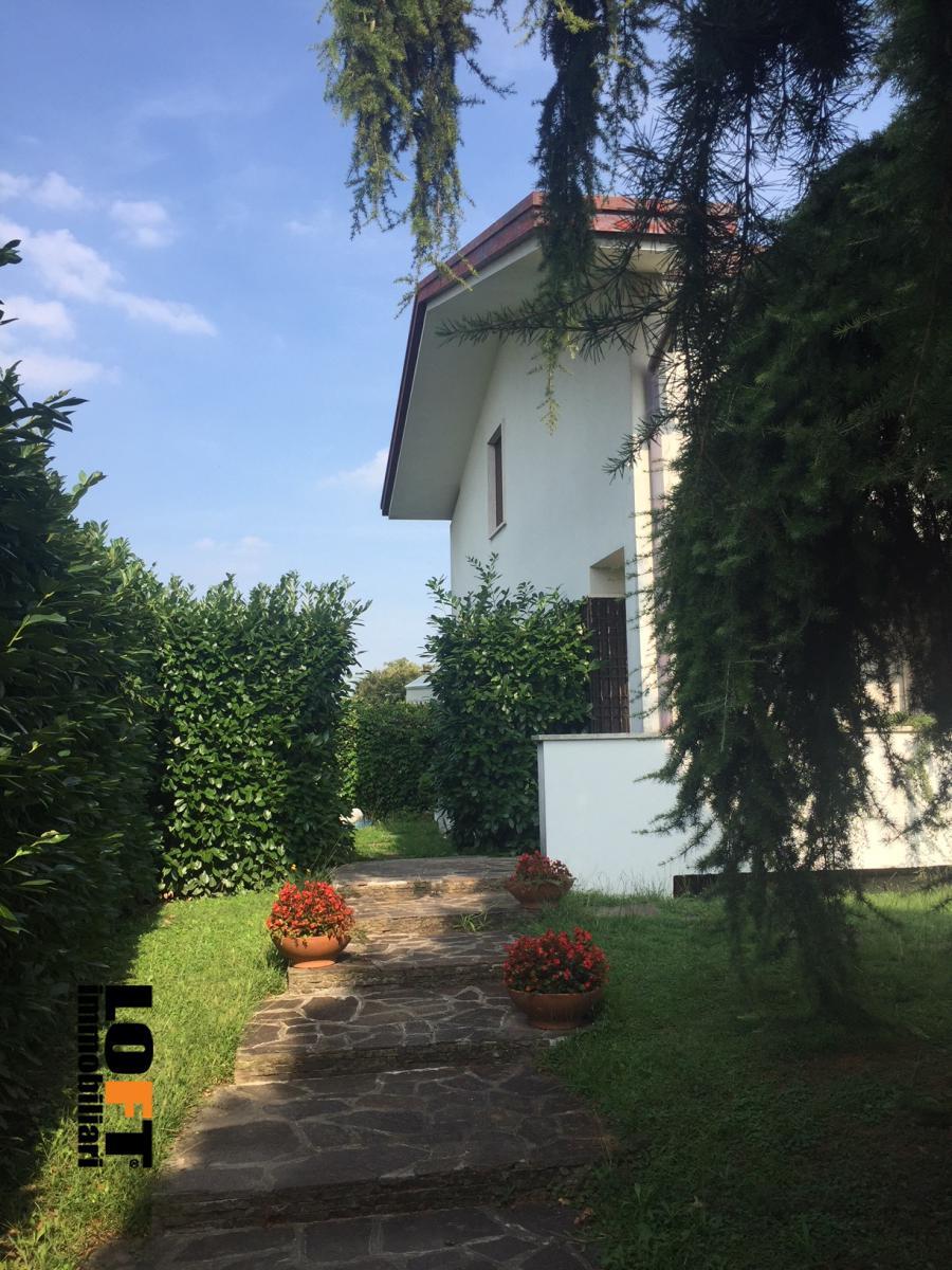 Casa Indipendente vendita MONTEGROTTO TERME (PD) - 7 LOCALI - 260 MQ