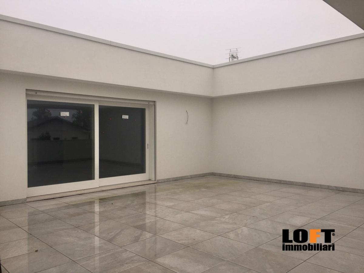 Appartamento in vendita a Selvazzano Dentro, 5 locali, prezzo € 430.000 | CambioCasa.it
